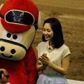 Photos: [140702川崎11RスパーキングレディーC]ユタカをみて拍手している桃ちゃん