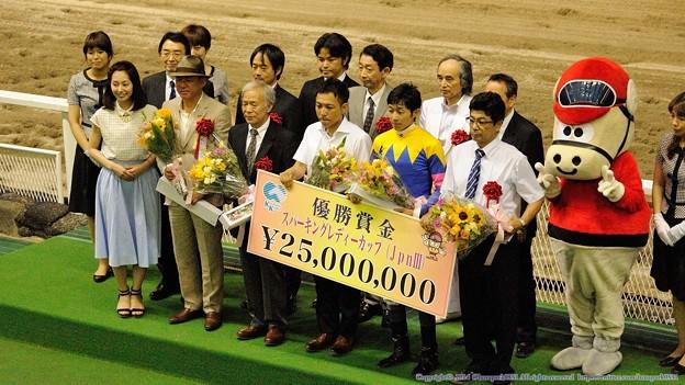 [140702川崎11RスパーキングレディーC]関係者の皆さんの記念撮影。おめでとうございます。