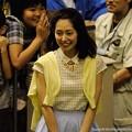 Photos: [140702川崎11RスパーキングレディーC]桃ちゃん普通の格好でプレゼンターとして登場。後ろの子もテンション高め