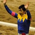 Photos: [140702川崎11RスパーキングレディーC]歓声に応えるユタカ #chihokeiba