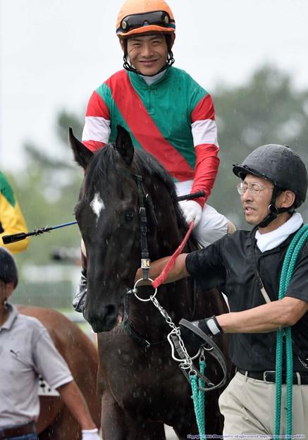 [140727中京5R新馬]ロープアドープ&川須「川須さんのこの笑顔…これに応えなきゃいけないのかな」