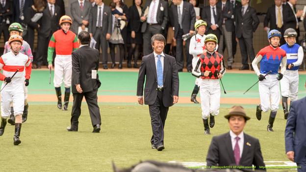 藤沢先生「さあさあ楽しいお馬さんの時間だよ~ジョッキーのみなさんがんばってね~」【141130東京7Rベゴニア賞】