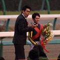 Photos: プレゼンターの石橋タカさんと戸崎J【141228中山10R有馬記念】