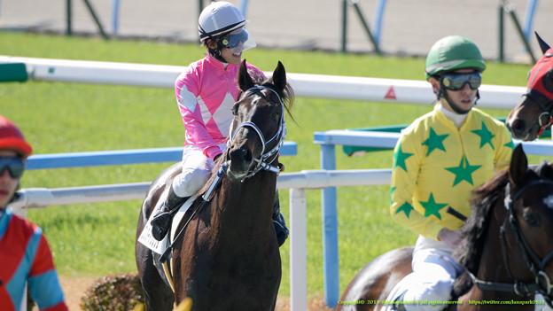 ワンダーアツレッタ(岩崎)「はじめての1番人気で勝ちました」【150214小倉4R3歳未勝利】