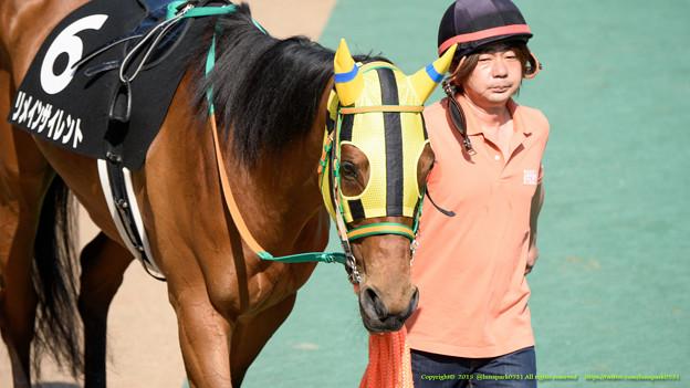 ?リメインサイレント「なんだか、やる気があるのか疲れてるのかわからないお馬さんが多いわね」【150426東京10R府中S】