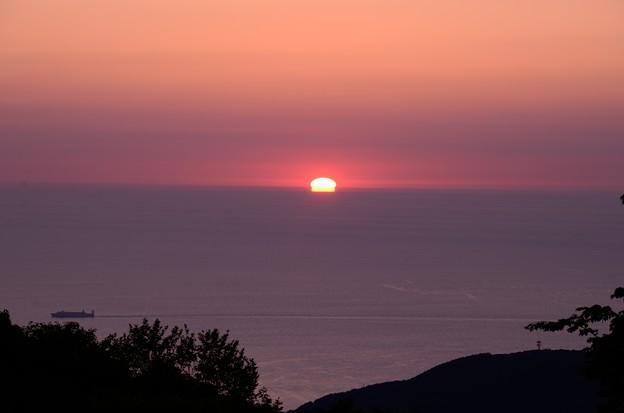 夕日ってこんな形になるんだね。