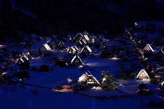 写真: 『灯』 ~白川郷 冬景~