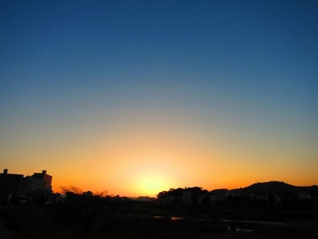 暁の鏡川.25