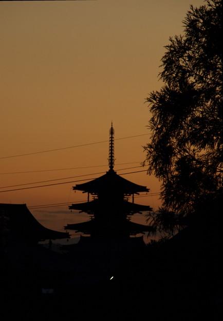 夕暮れの法隆寺
