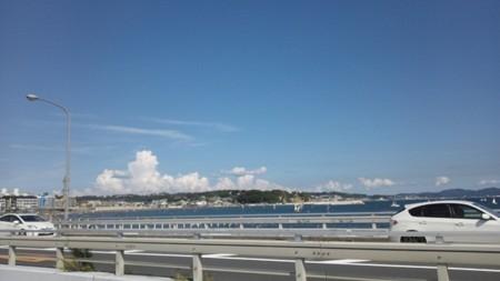 江ノ島大橋から腰越方面を
