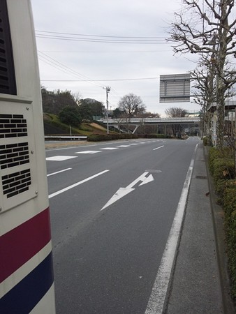 鎌倉街道の多摩卸市場(町田方面から)
