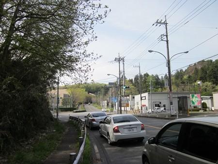 33.東京家政学院前 左折 ジェラート屋が右側にありますよ。
