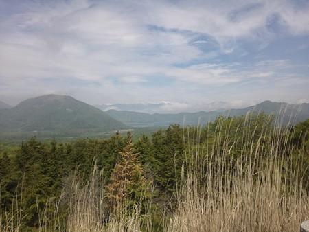 展望台から南アルプスと本栖湖