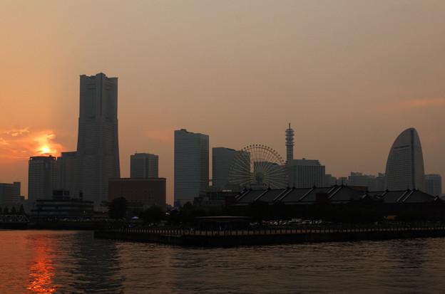 Photos: 横浜で黄昏れて。