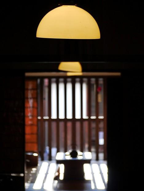 古風な部屋の灯り