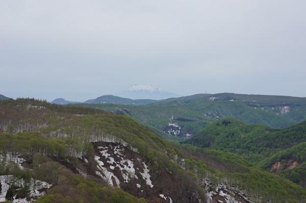 城ヶ倉大橋から岩木山