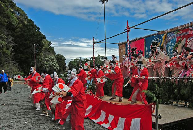 大瀬祭の踊り