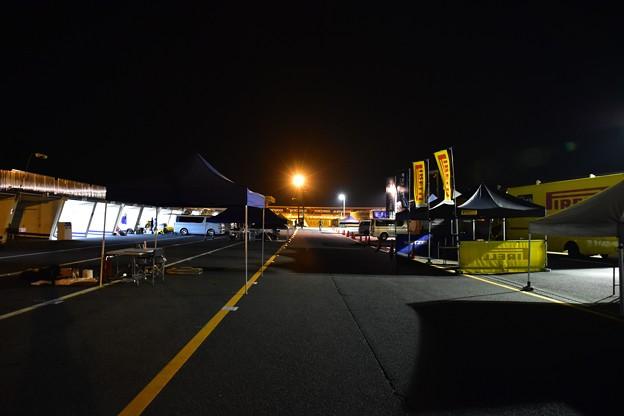 写真: 夜の筑波サーキット
