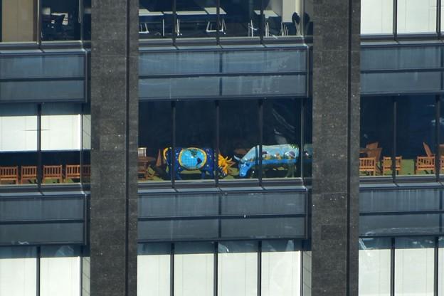 写真: 新宿野村ビルから隣のビル2