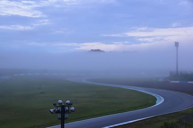 雲の中のもてぎ