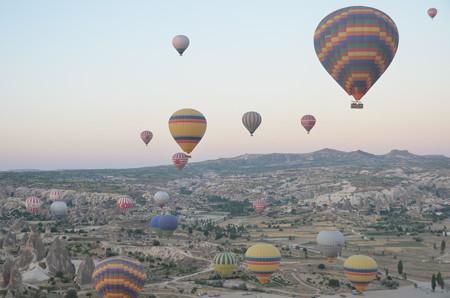 出発直後の無数の気球