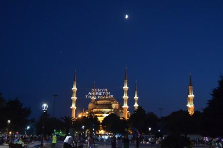 夜のブルーモスク