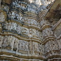写真: ヴィシュヴァナータ寺院。よく観るといけない彫り物が