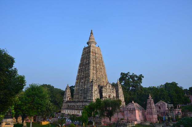 マハーボディー寺院。素晴らしく整備されている