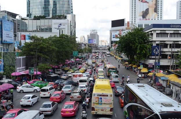 渋滞がすごい。特に夕方はほとんど進まないことも