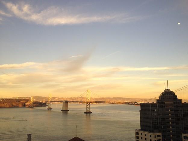 夕方のサンフランシスコ・ベイブリッジ