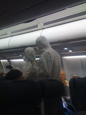 飛行機内のチェック