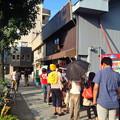 写真: 東別院近くにある人気のかき氷屋「柴ふく」の行列