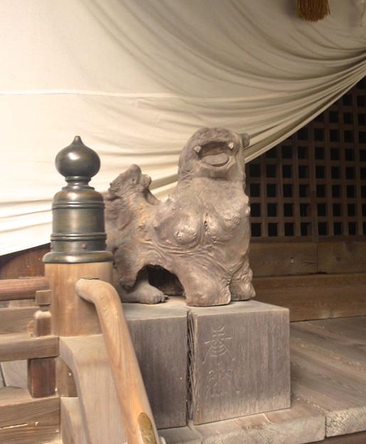 内々神社:社殿にある古い…狛犬? - 3