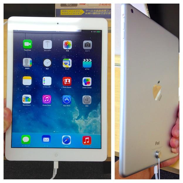 iPad Air:正面と背面