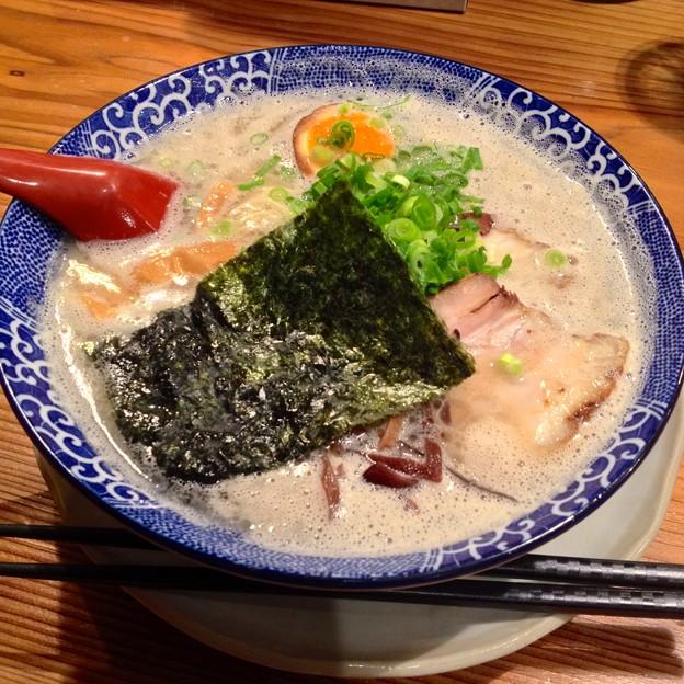 鶴亀堂:濃厚博多とんこつ 全部のせ - 1