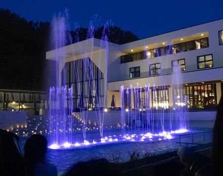 ガーデンテラス東山の噴水イルミネーション No - 3