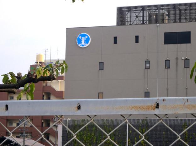 堀留水処理センター No - 04:建物側面にイメージキャラのアメンボウ♪