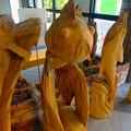 Photos: 東山動植物園:星が丘門 No - 6(門内にあった、チェンソー・カービングで作られた(?)金魚像)