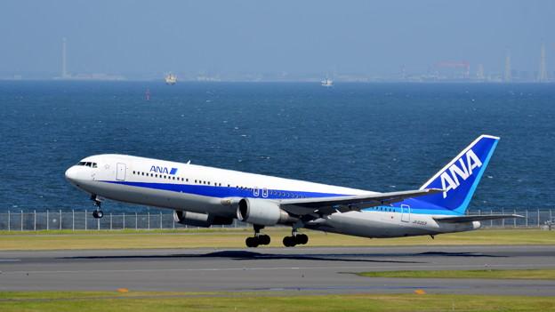 ANA 767-300(JA8363)