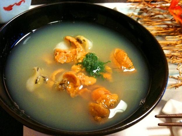 写真: 郷土料理・いちご煮(ウニとアワビの潮汁)
