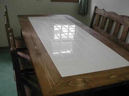 タイル付きダイニングテーブルセット