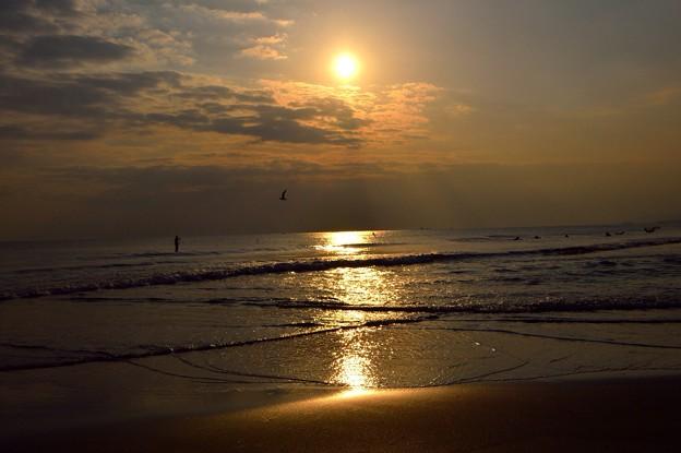 夕日ライン@湘南・鵠沼海岸 #湘南 #藤沢 #海 #波 surfing #wave #mysky #夕焼け
