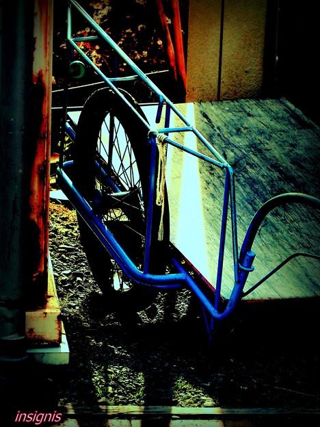 """青い""""リヤカー"""".........."""