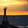 写真: 灯台のある風景