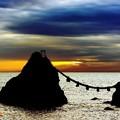 夫婦岩の夜明け