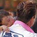 Photos: 祭りの親子