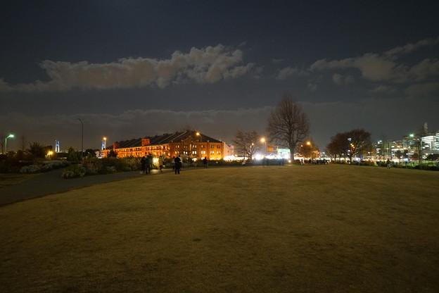 日没後の赤レンガ倉庫