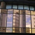 Photos: 窓ガラスに映るビル
