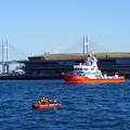 消防船と救命ボート