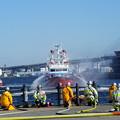 Photos: 消防船の放水